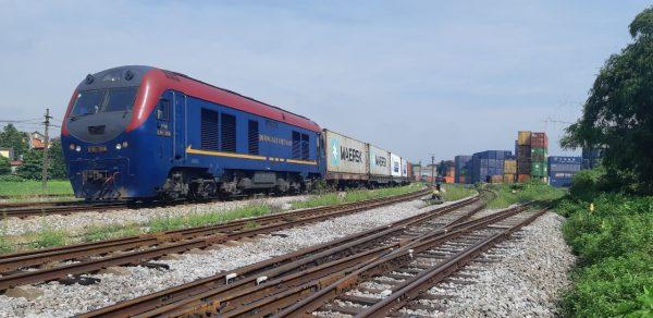 Đoàn tàu chở container từ Việt Nam sang thẳng châu Âu