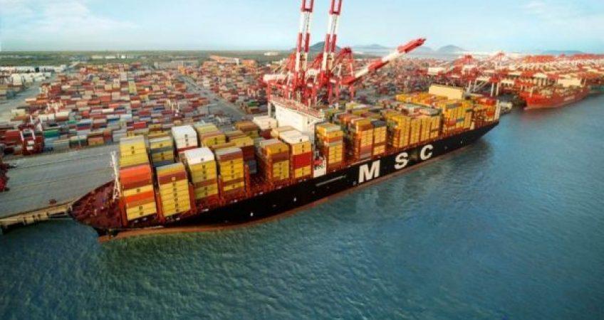 Chủ hàng Mỹ kiện hãng tàu Cosco và MSC do cước biển tăng cao