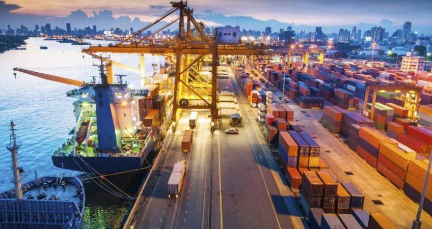 Tình Trạng Tắc Nghẽn Nghiêm Trọng Tại Cảng Container Yantian, Trung Quốc